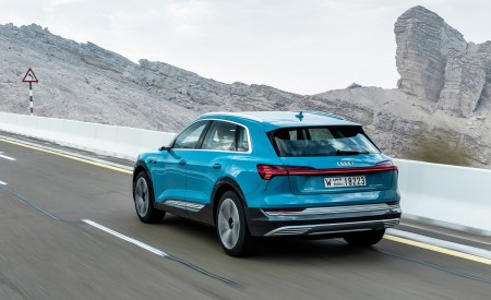 2019 Audi e-tron (Color: Antigua Blue) Rear Three-Quarter Wallpaper 450x275 (71)