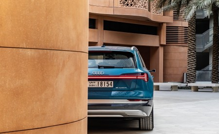 2019 Audi e-tron (Color: Antigua Blue) Rear Wallpaper 450x275 (110)
