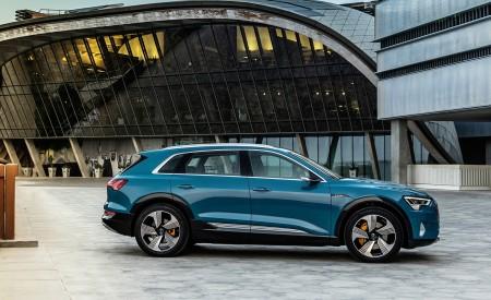 2019 Audi e-tron (Color: Antigua Blue) Side Wallpaper 450x275 (111)