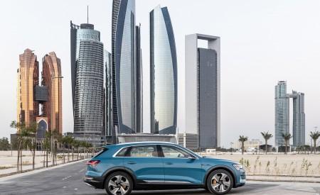 2019 Audi e-tron (Color: Antigua Blue) Side Wallpaper 450x275 (101)