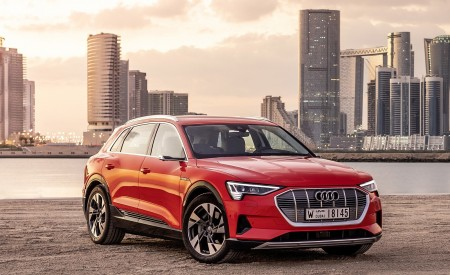 2019 Audi e-tron (Color: Catalunya Red) Front Three-Quarter Wallpaper 450x275 (26)