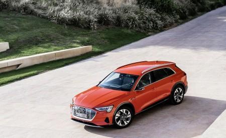 2019 Audi e-tron (Color: Catalunya Red) Front Three-Quarter Wallpaper 450x275 (35)