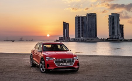 2019 Audi e-tron (Color: Catalunya Red) Front Wallpaper 450x275 (29)