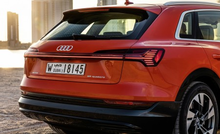 2019 Audi e-tron (Color: Catalunya Red) Tail Light Wallpaper 450x275 (47)