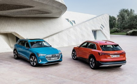 2019 Audi e-tron (Color: Catalunya Red) and Audi e-tron (Color: Antigua Blue) Front Wallpaper 450x275 (13)