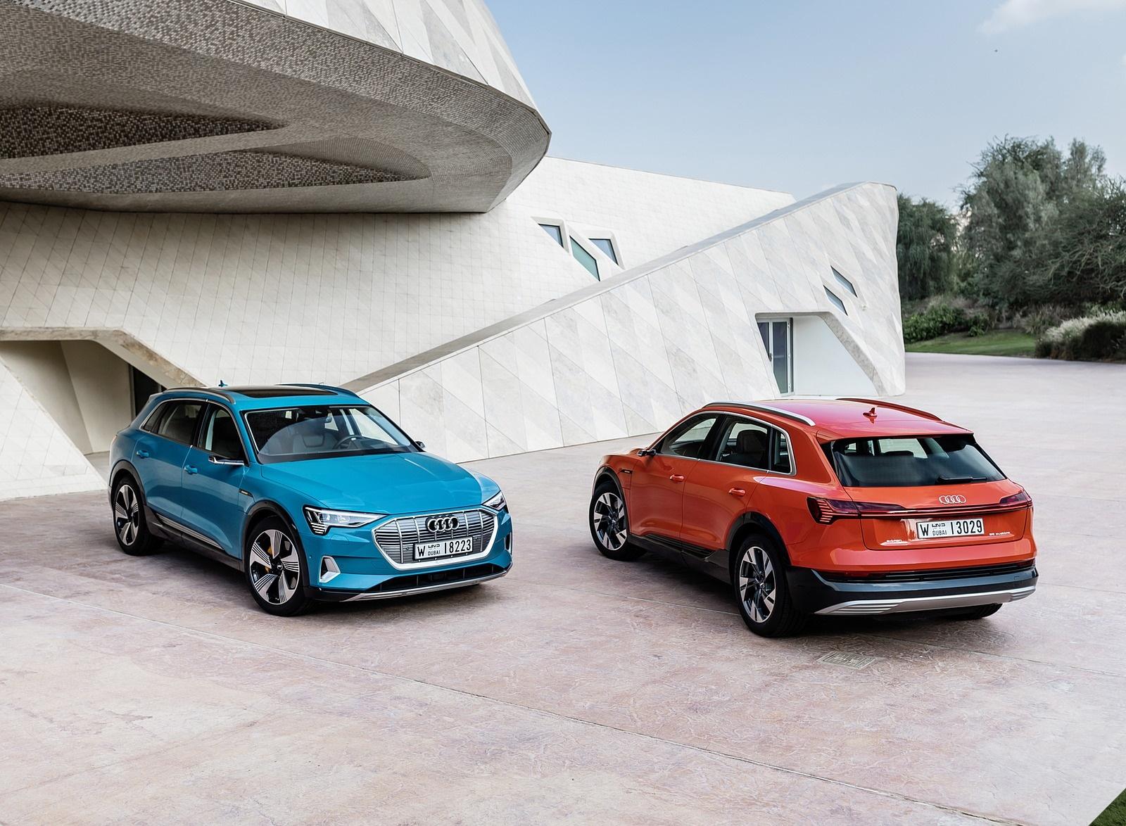 2019 Audi e-tron (Color: Catalunya Red) and Audi e-tron (Color: Antigua Blue) Front Wallpaper (13)
