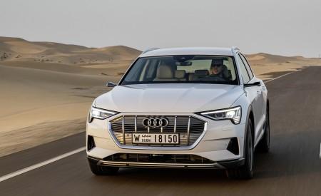 2019 Audi e-tron (Color: Glacier White) Front Three-Quarter Wallpaper 450x275 (206)