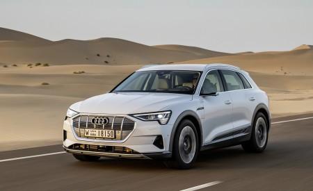 2019 Audi e-tron (Color: Glacier White) Front Three-Quarter Wallpaper 450x275 (207)