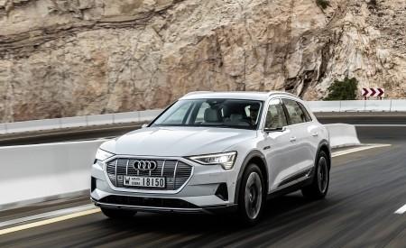 2019 Audi e-tron (Color: Glacier White) Front Three-Quarter Wallpaper 450x275 (198)