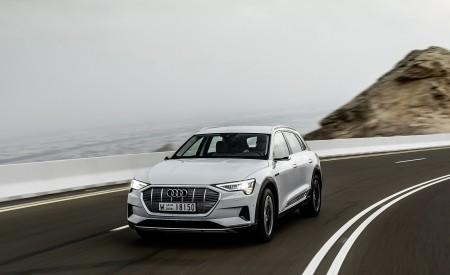 2019 Audi e-tron (Color: Glacier White) Front Wallpaper 450x275 (200)