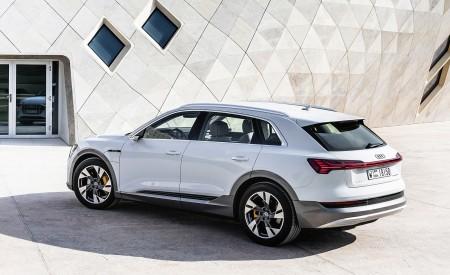 2019 Audi e-tron (Color: Glacier White) Rear Three-Quarter Wallpaper 450x275 (217)