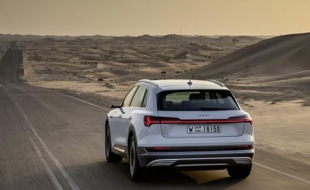 2019 Audi e-tron (Color: Glacier White) Rear Wallpaper 450x275 (211)
