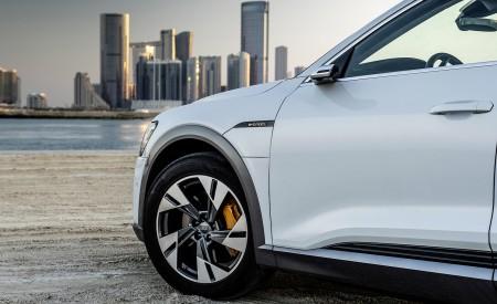 2019 Audi e-tron (Color: Glacier White) Wheel Wallpaper 450x275 (231)