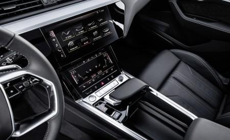 2019 Audi e-tron Interior Detail Wallpaper 450x275 (123)