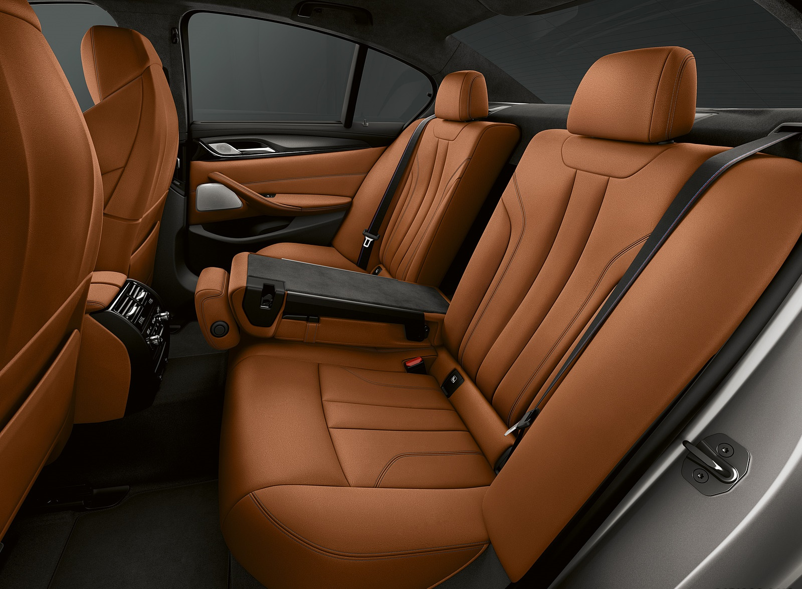 2019 BMW M5 Competition Interior Rear Seats Wallpapers (12)