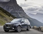 2019 BMW X7 (Color: Arctic Grey) Front Three-Quarter Wallpaper 150x120 (20)