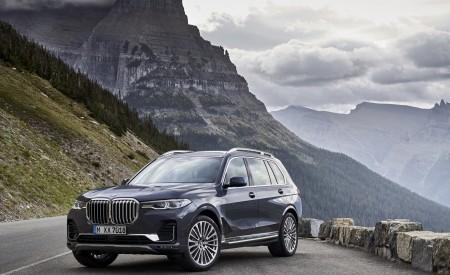 2019 BMW X7 (Color: Arctic Grey) Front Three-Quarter Wallpaper 450x275 (20)