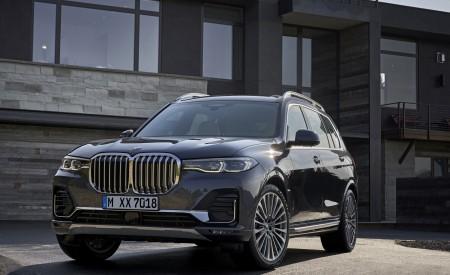 2019 BMW X7 (Color: Arctic Grey) Front Three-Quarter Wallpaper 450x275 (14)