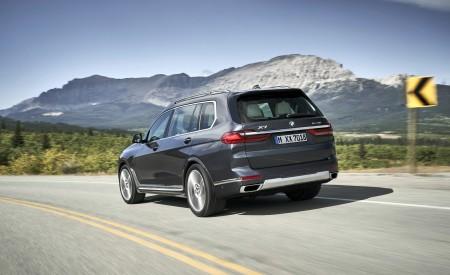 2019 BMW X7 (Color: Arctic Grey) Rear Three-Quarter Wallpaper 450x275 (4)