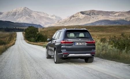 2019 BMW X7 (Color: Arctic Grey) Rear Wallpaper 450x275 (6)