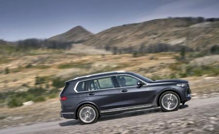 2019 BMW X7 (Color: Arctic Grey) Side Wallpaper 450x275 (7)