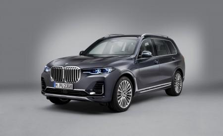 2019 BMW X7 Front Three-Quarter Wallpaper 450x275 (29)