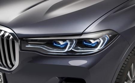2019 BMW X7 Headlight Wallpaper 450x275 (37)