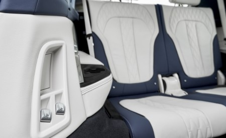 2019 BMW X7 Interior Third Row Seats Wallpaper 450x275 (58)