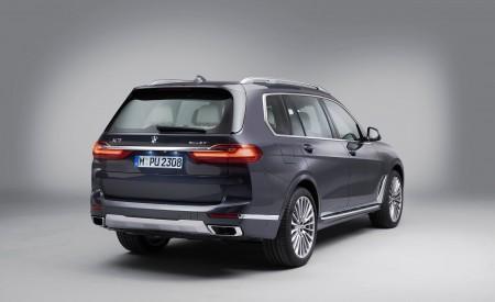 2019 BMW X7 Rear Three-Quarter Wallpaper 450x275 (32)