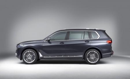 2019 BMW X7 Side Wallpaper 450x275 (33)