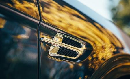 2019 Bentley Bentayga Plug-in Hybrid Detail Wallpapers 450x275 (13)