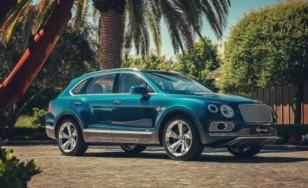 2019 Bentley Bentayga Plug-in Hybrid Front Three-Quarter Wallpapers 450x275 (6)