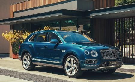 2019 Bentley Bentayga Plug-in Hybrid Front Three-Quarter Wallpapers 450x275 (7)