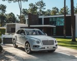 2019 Bentley Bentayga Plug-in Hybrid Front Three-Quarter Wallpapers 150x120 (32)