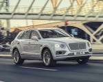 2019 Bentley Bentayga Plug-in Hybrid Front Three-Quarter Wallpapers 150x120 (28)