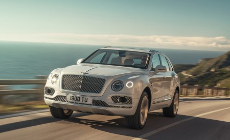 2019 Bentley Bentayga Plug-In Hybrid Wallpapers