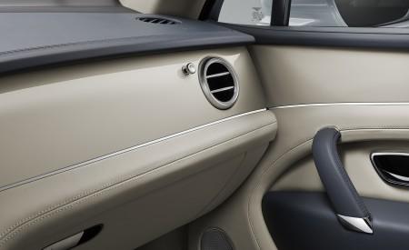 2019 Bentley Bentayga Plug-in Hybrid Interior Detail Wallpapers 450x275 (50)