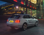 2019 Bentley Bentayga Plug-in Hybrid Rear Three-Quarter Wallpapers 150x120 (38)