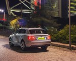 2019 Bentley Bentayga Plug-in Hybrid Rear Three-Quarter Wallpapers 150x120 (37)