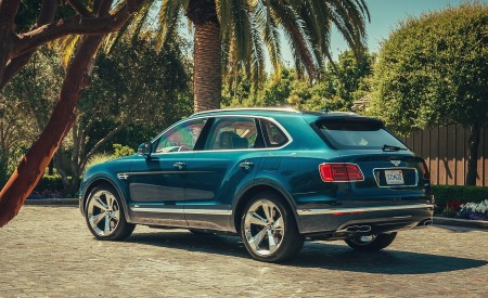 2019 Bentley Bentayga Plug-in Hybrid Rear Three-Quarter Wallpapers 450x275 (11)
