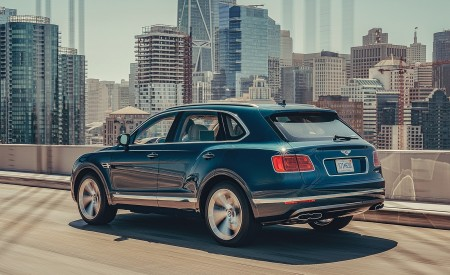 2019 Bentley Bentayga Plug-in Hybrid Rear Three-Quarter Wallpapers 450x275 (4)