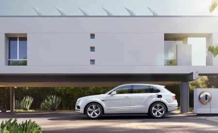 2019 Bentley Bentayga Plug-in Hybrid Side Wallpapers 450x275 (34)