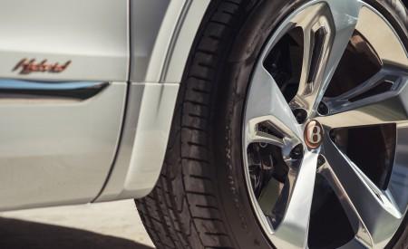 2019 Bentley Bentayga Plug-in Hybrid Wheel Wallpapers 450x275 (47)