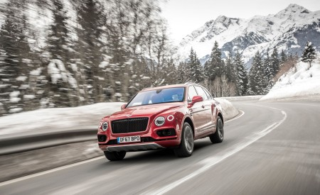 2019 Bentley Bentayga V8 Front Three-Quarter Wallpapers 450x275 (15)