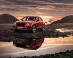 2019 Bentley Bentayga V8 Front Three-Quarter Wallpapers 150x120 (2)