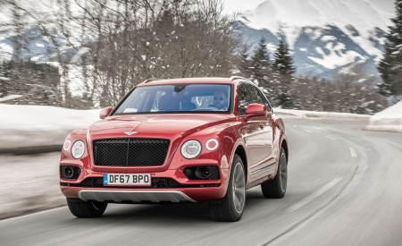 2019 Bentley Bentayga V8 Front Wallpapers 450x275 (11)