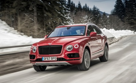 2019 Bentley Bentayga V8 Front Wallpapers 450x275 (12)