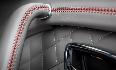 2019 Bentley Bentayga V8 Interior Detail Wallpaper 450x275 (45)