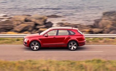 2019 Bentley Bentayga V8 Side Wallpapers 450x275 (5)