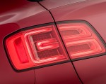 2019 Bentley Bentayga V8 Tail Light Wallpapers 150x120 (33)